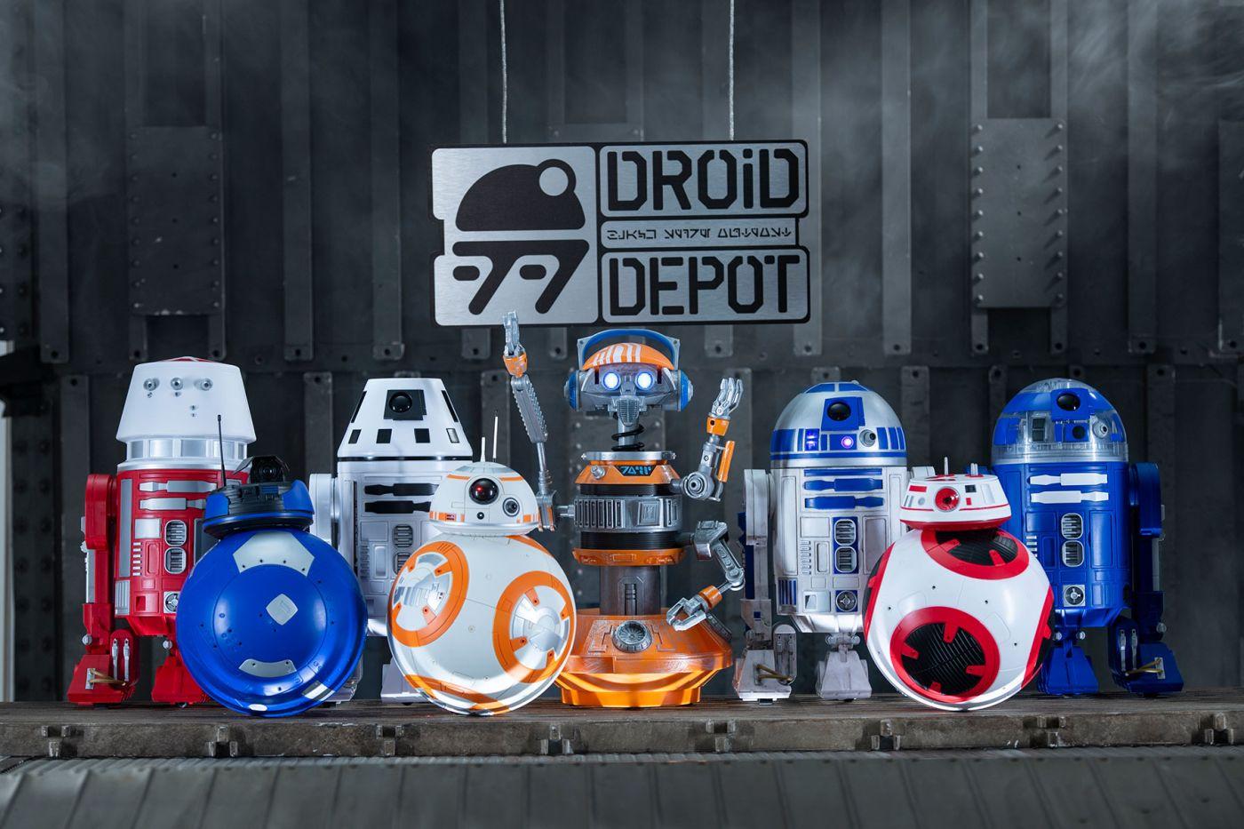 ...legyen az henger alakú R2-es egység, vagy gömbtalpon guruló BB szériájú robot.