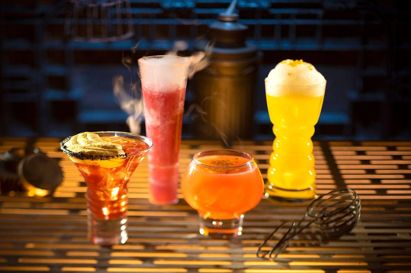 Alkoholos frissítők: The Outer Rim, Bespin Fizz, Yub Nub és a beszédes nevű Fuzzy Tauntaun