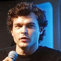 Bejelentették: Alden Ehrenreich az új Han Solo