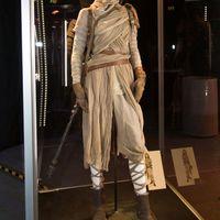 Képek a kaliforniai Star Wars 7 kiállításról