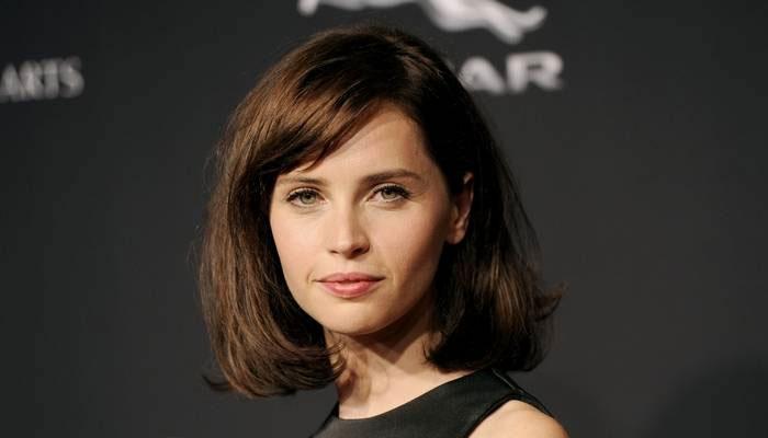 Felicity Jonest idén Oscar-díjra jelölték A mindenség elmélete női főszerepéért.