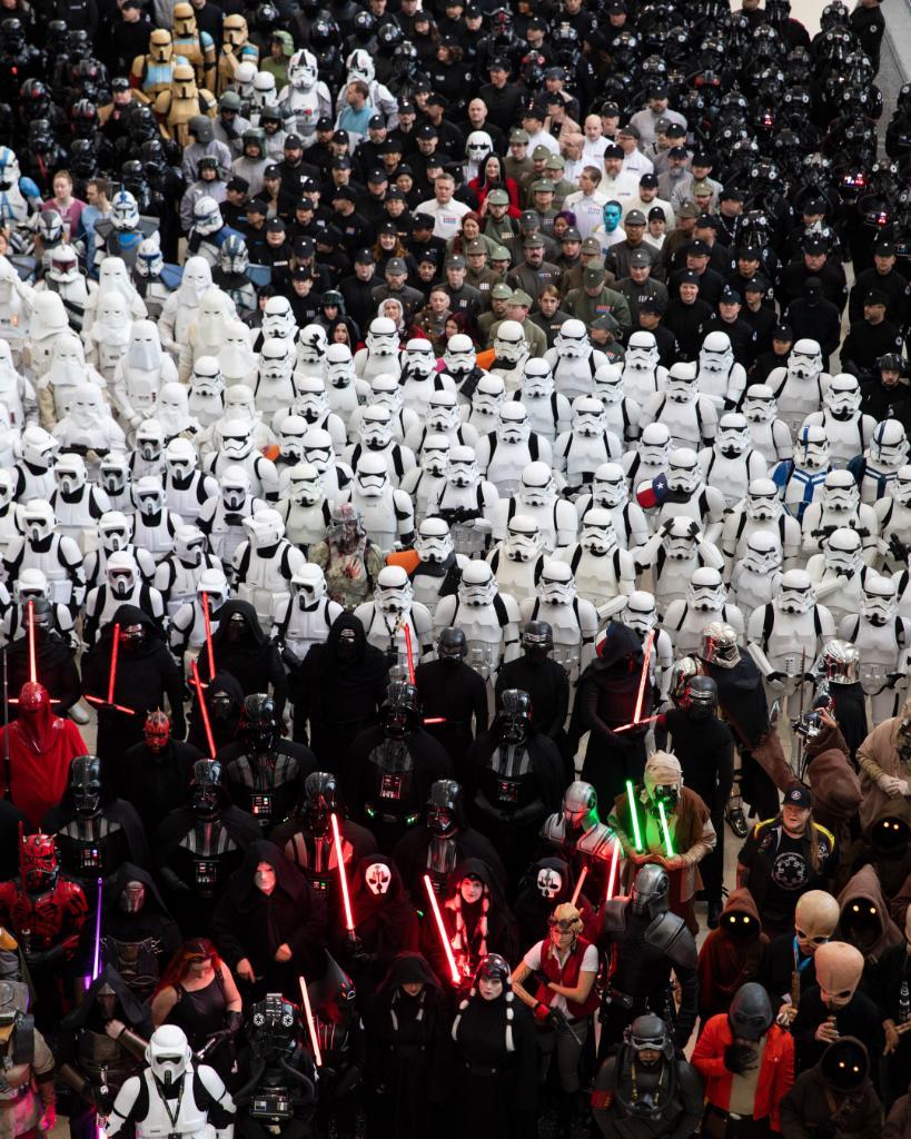 Jelmezes csoportkép a 2019-es Star Wars Celebrationön (forrás: Twitter)