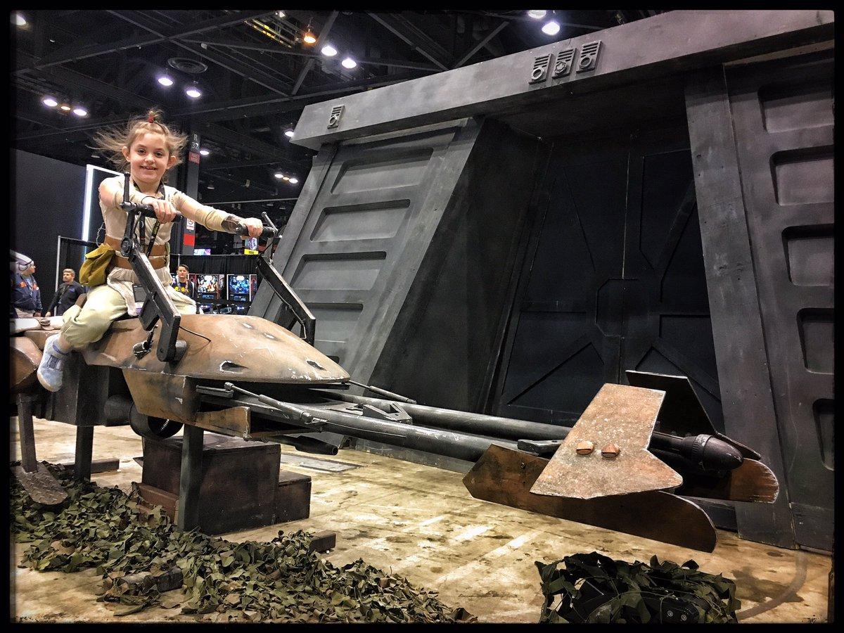 Mini Rey az Endor holdon (forrás: Twitter)
