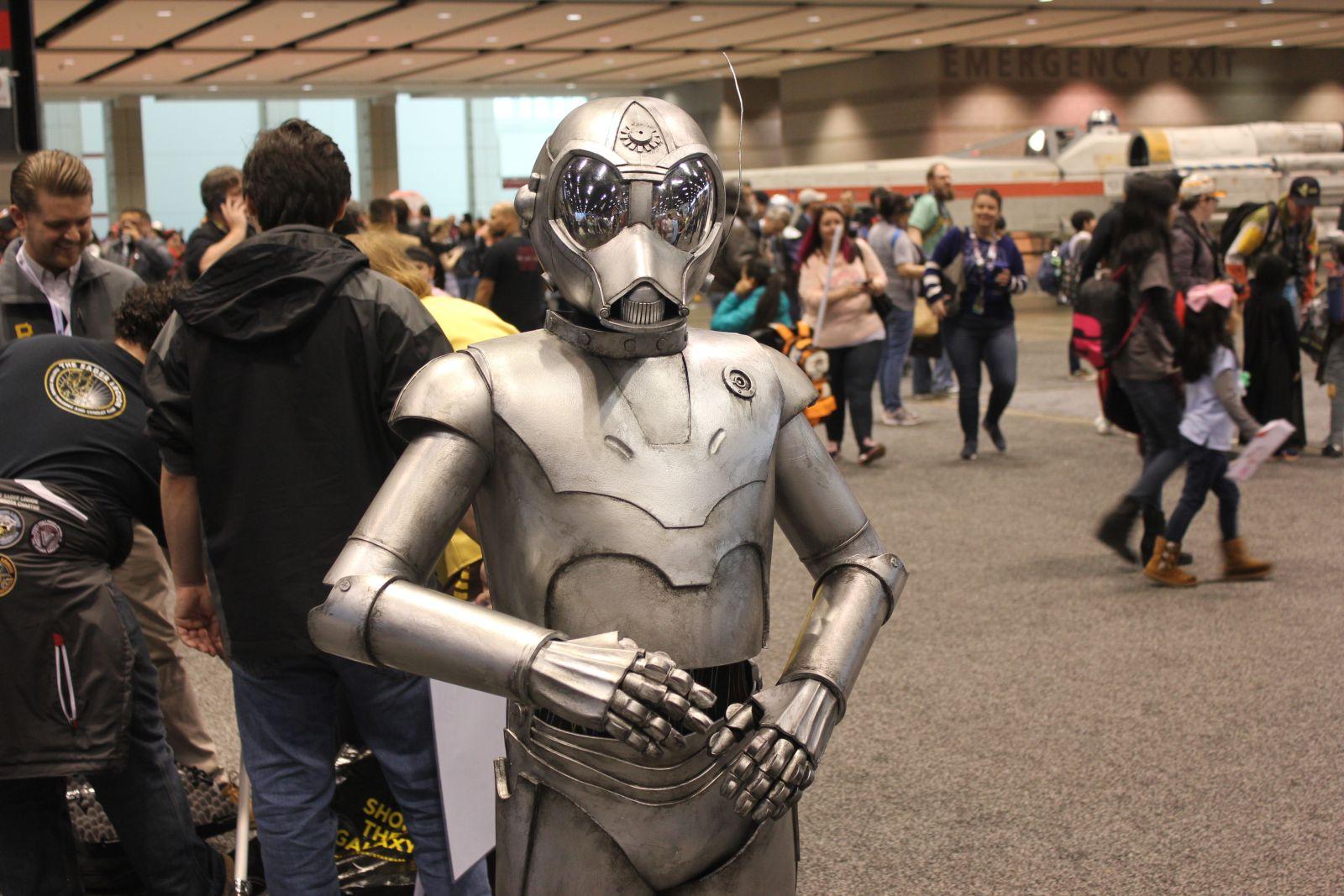 Voltak élő és még élőbb robotok (fotó: Collider)