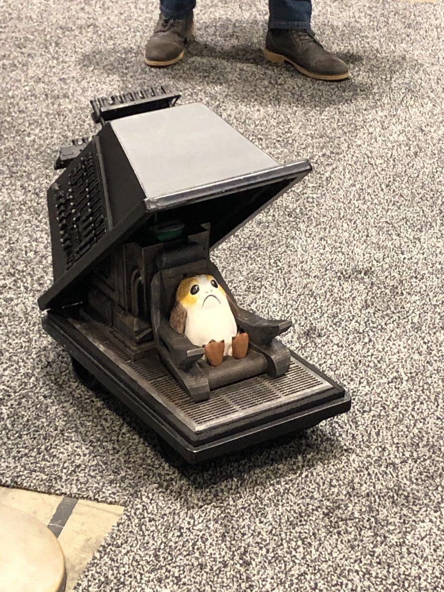 A droidban lakó porg (forrás: Twitter)