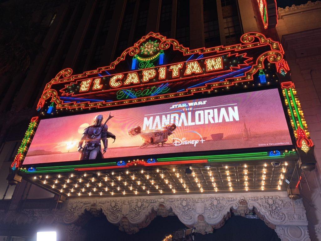A díszbemutató helyszíne a Los Angeles-i El Capitan mozi volt.