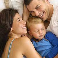 Képesítés nélküli szülők vagyunk!