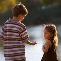Testvérkapcsolatok- fegyelmezés 3. rész: Mit tehetünk a testvérféltékenység ellen?