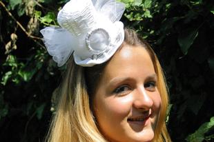 618c684a66 Esküvői kalap - esküvői mini cilinder