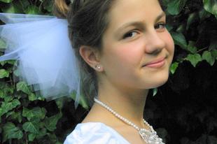 bc8388cd98 Esküvői kalap - esküvői fejdísz gyöngyökkel