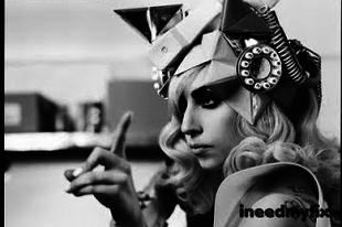 A  dívák is kalapot viselnek - Lady Gaga 2.