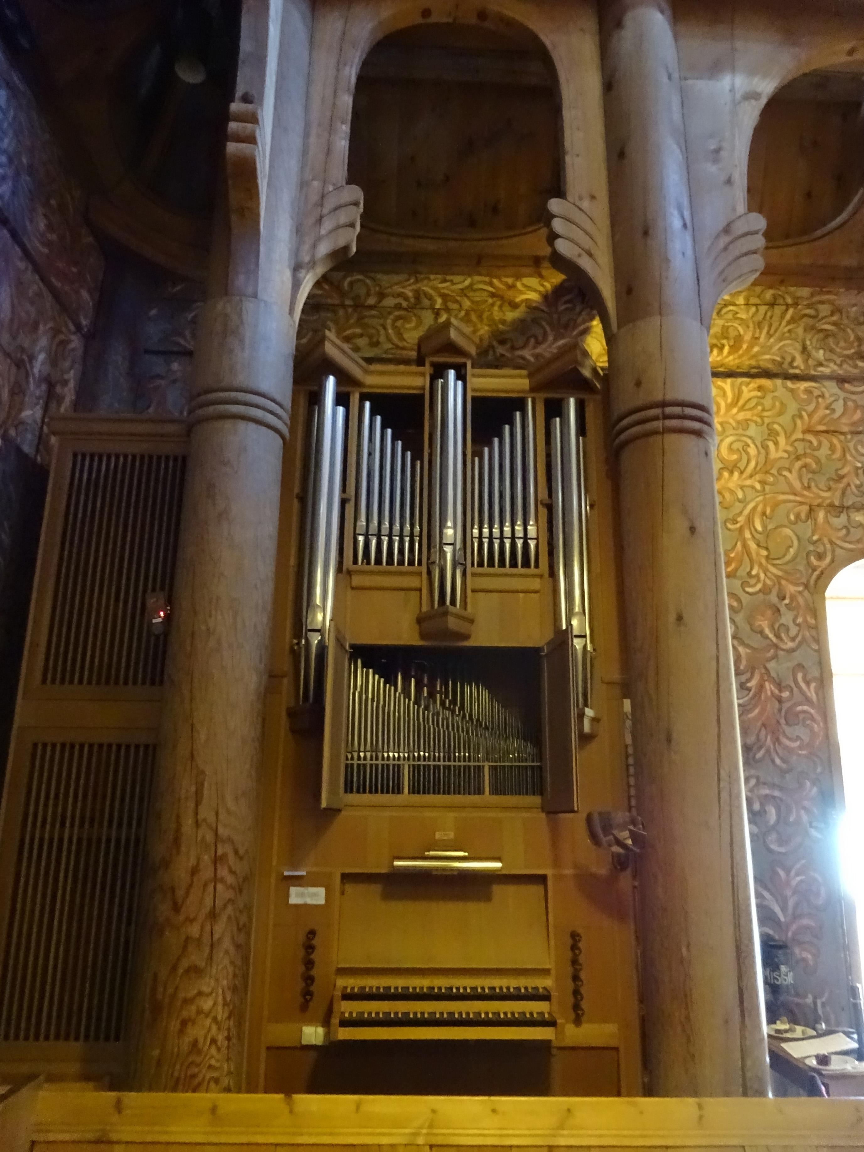 blog_d13s02_heddal_stave_church_017.jpg