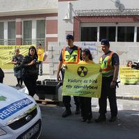 Bedolgozhat-e az Országos Atomenergia Hivatal munkatársa Paks II-nek?