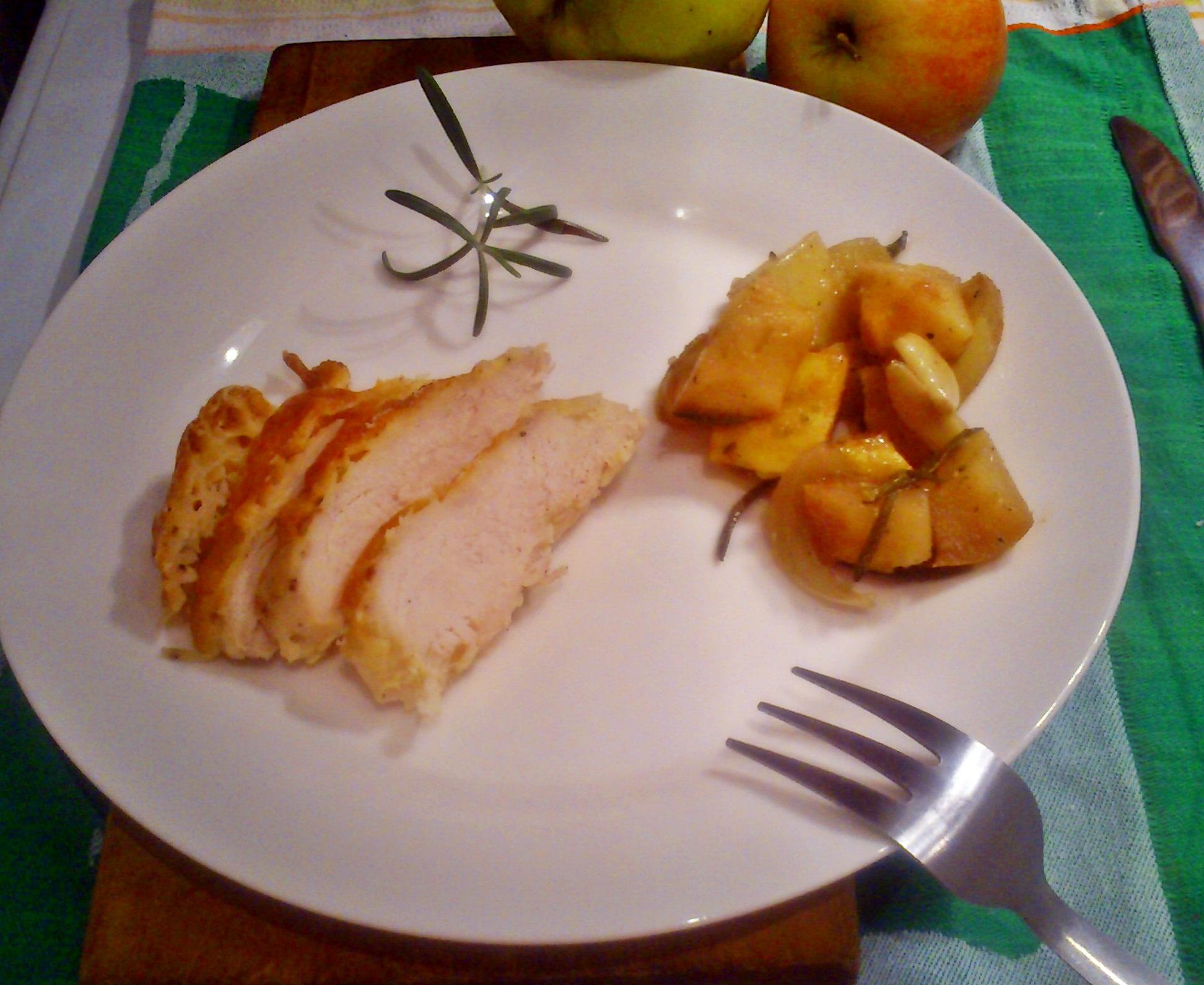 Sajtos csirke őszi gyümölcskörettel