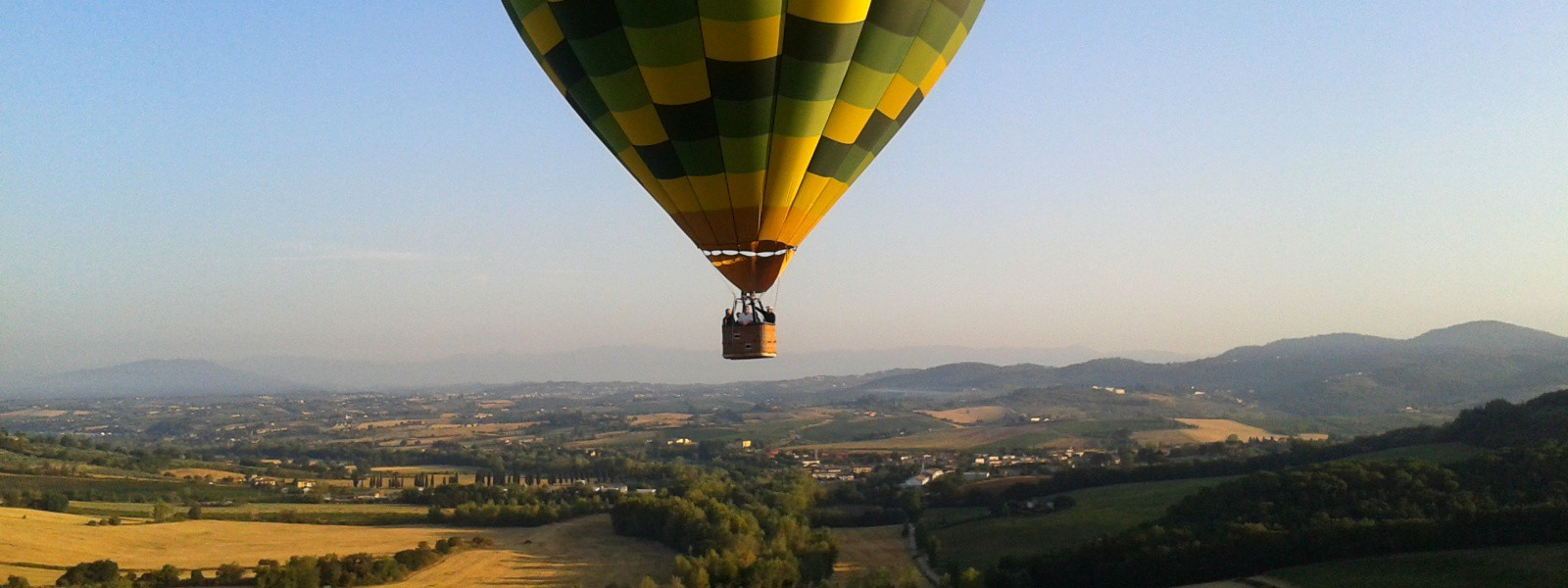 balloon-ride-in-tuscany-over-pesa-valley-1600x600.jpg