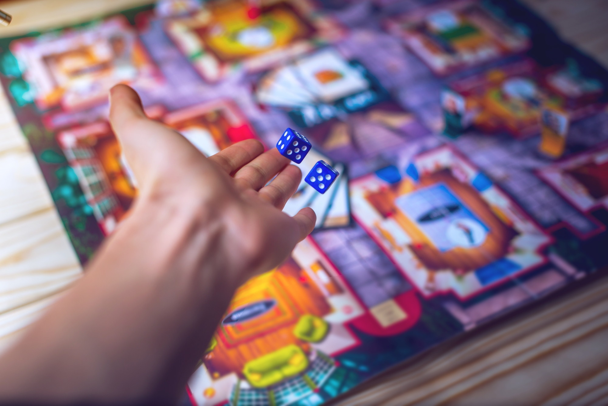 hand-throws-dice-board-game_1.jpg