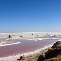 Kék ég, rózsaszín víz, fehér part: a Tritónisz-tó Tunéziában