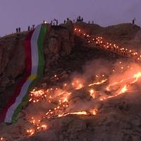 Magyar zászló arany nappal