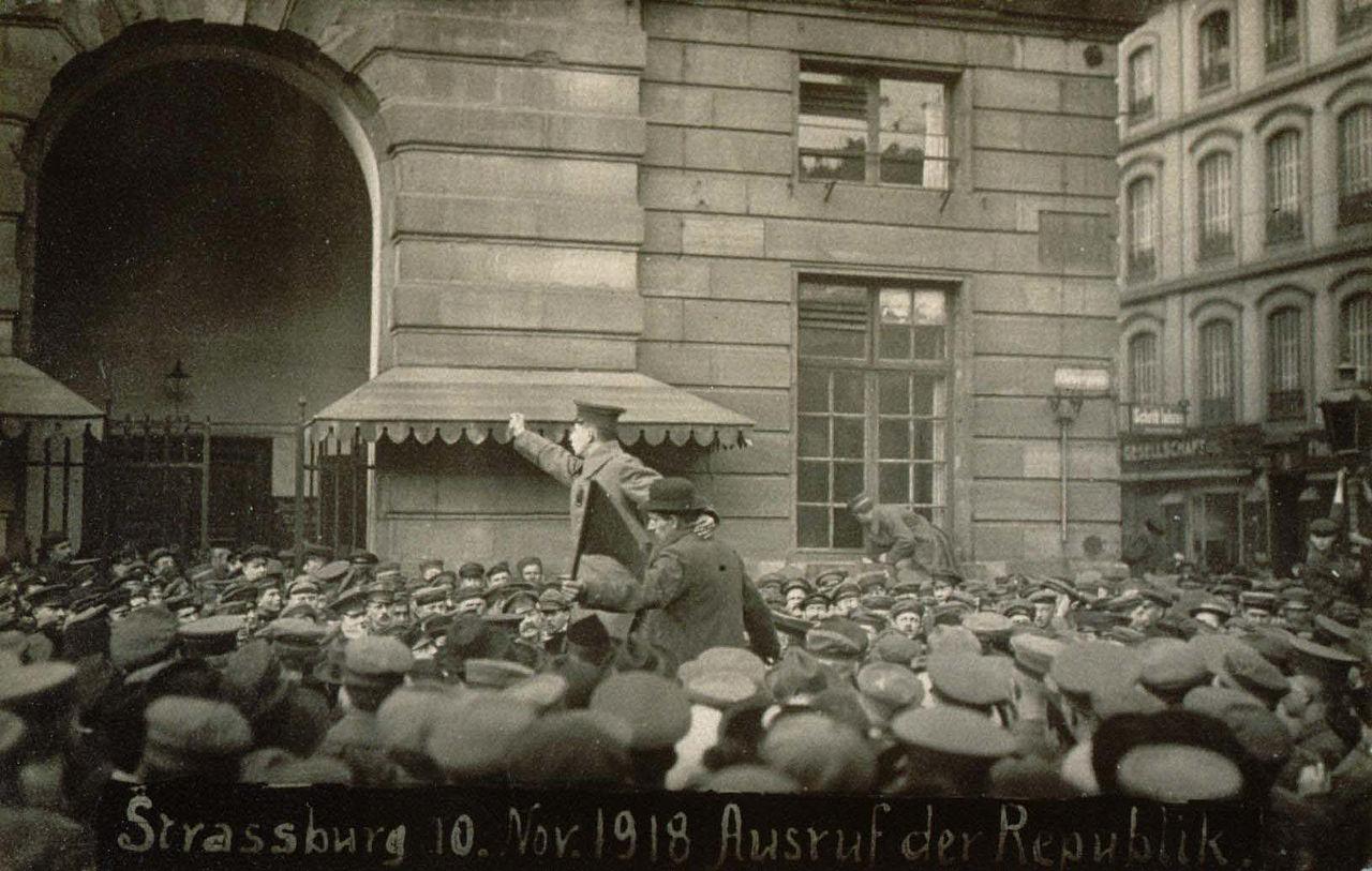 1280px-proclamation_republique_10_novembre_1918.jpg