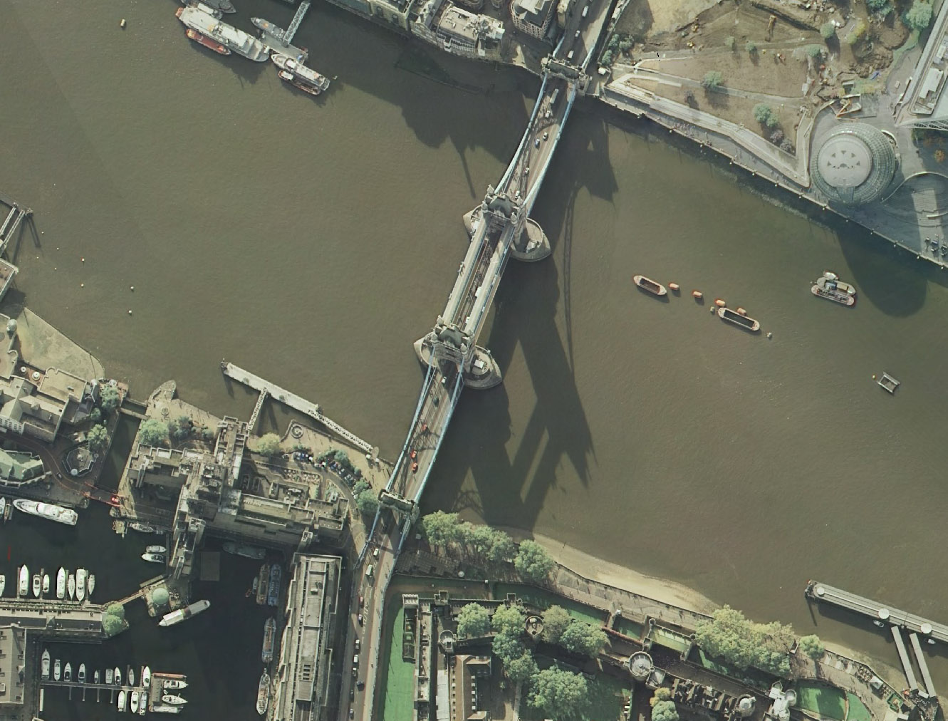 1tower bridge.jpg