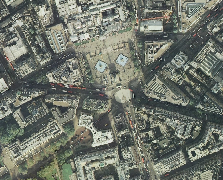 1trafalgar square.jpg