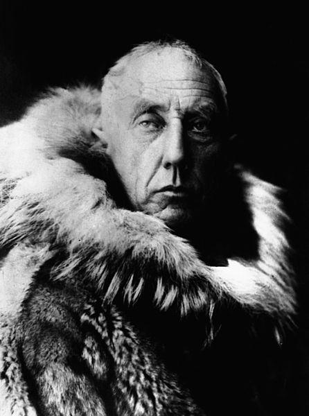446px-Amundsen_in_fur_skins.jpg