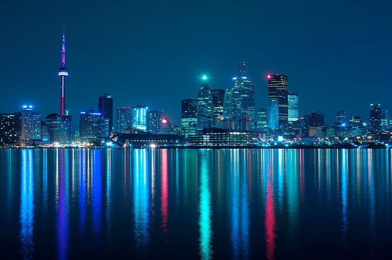 800px-Night_skyline_of_Toronto_May_2009.jpg