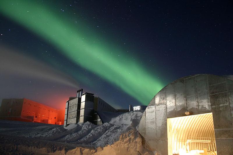 800px-amundsen-scott_marsstation_ray_h_edit.jpg