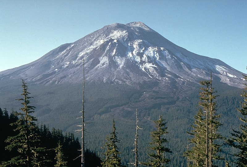 800px-mount_st_helens_one_day_before_the_devastating_eruption.jpg