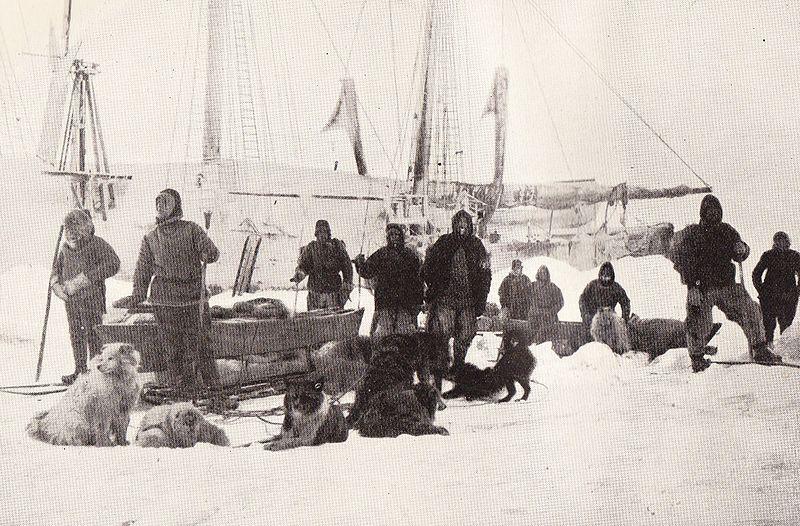 800px-nansen_johansen_depart_14_march_1895.jpg