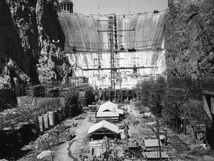Construction_of_Hoover_Dam_1934.jpg