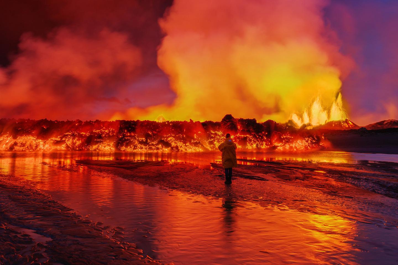 Iceland Volcano Lava Flow 02_mashable.jpg