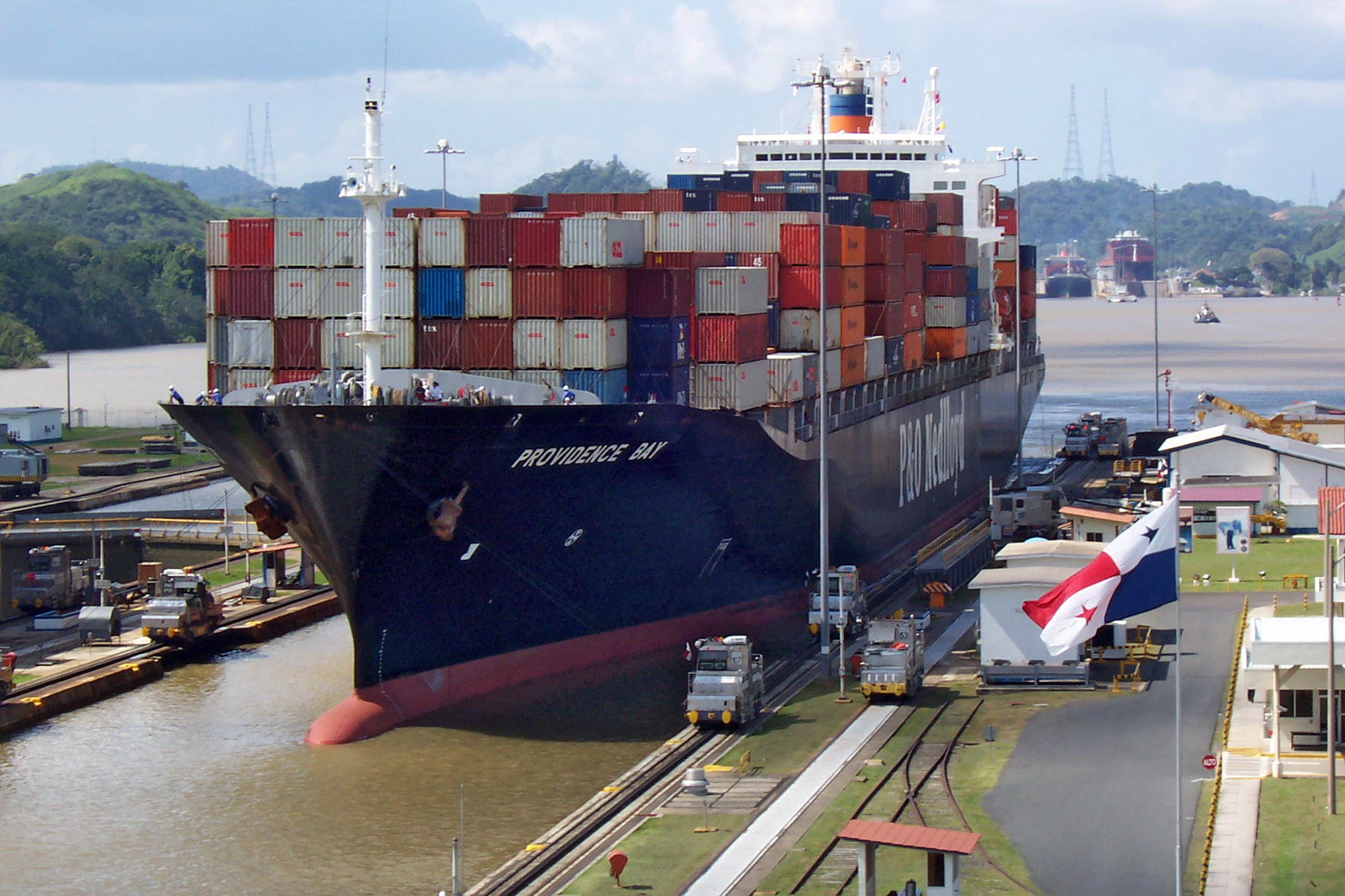 Ship_Providence_Bay_at_panama_canal.jpg