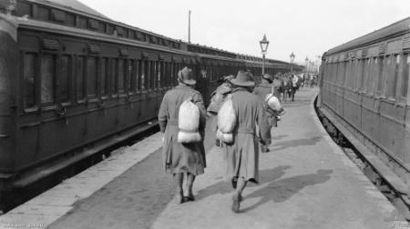 australian_soldiers_weymouth_1919.jpg