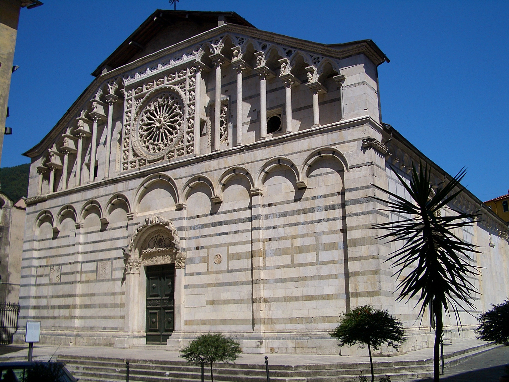 carrara_cathedral_6366.jpg