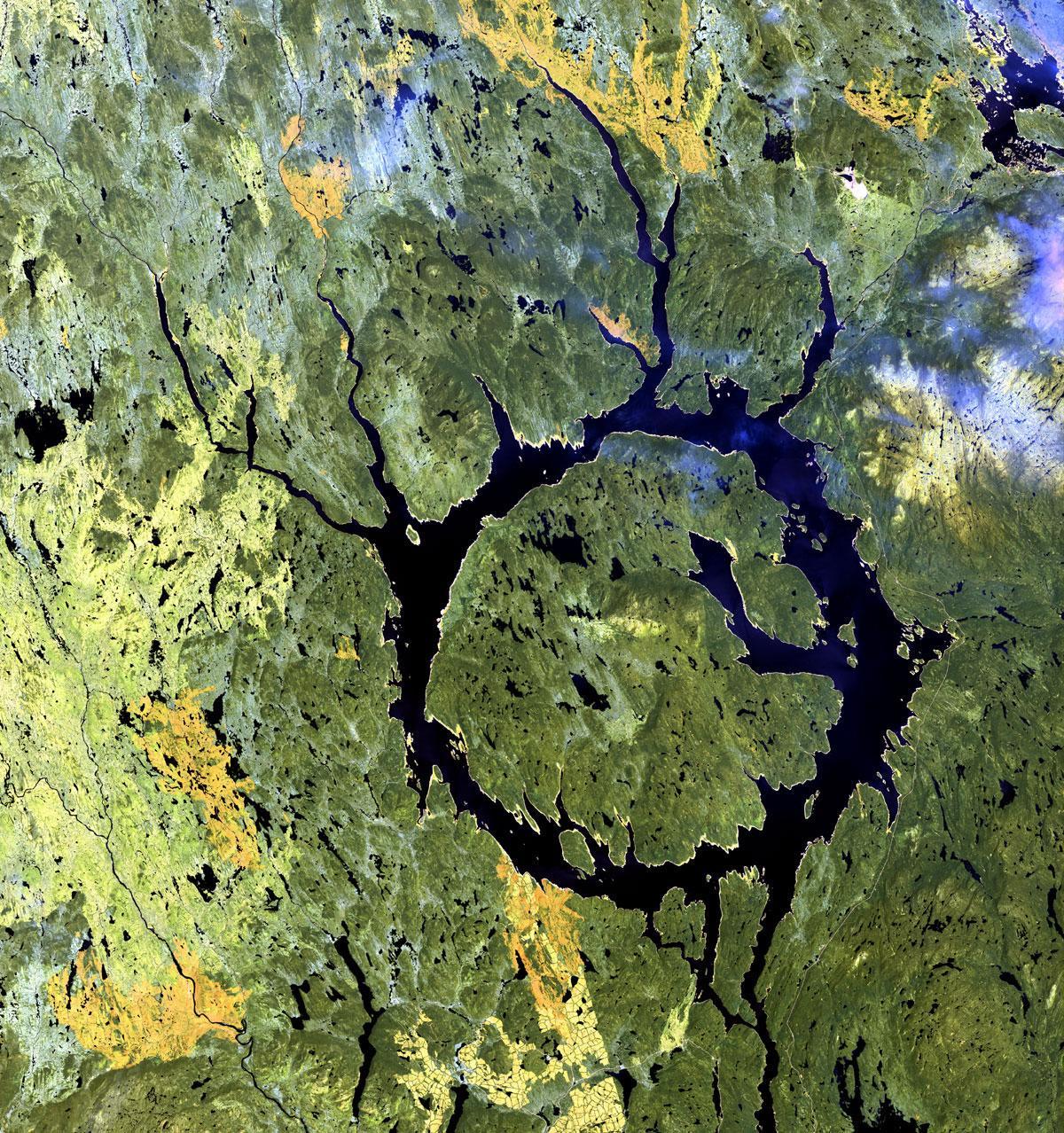 crater-de-impacto-manicouagan-ne-quebec.jpg