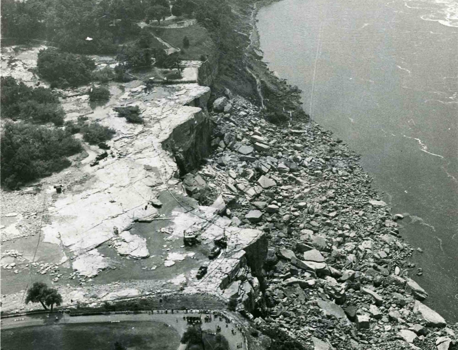 niagara_falls_without_water_1969_6.jpg