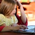 A gyerekem egész nap az interneten lóg!