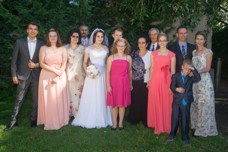 Ez a kép kép két éve készült, Rozika első unokájának esküvőjén