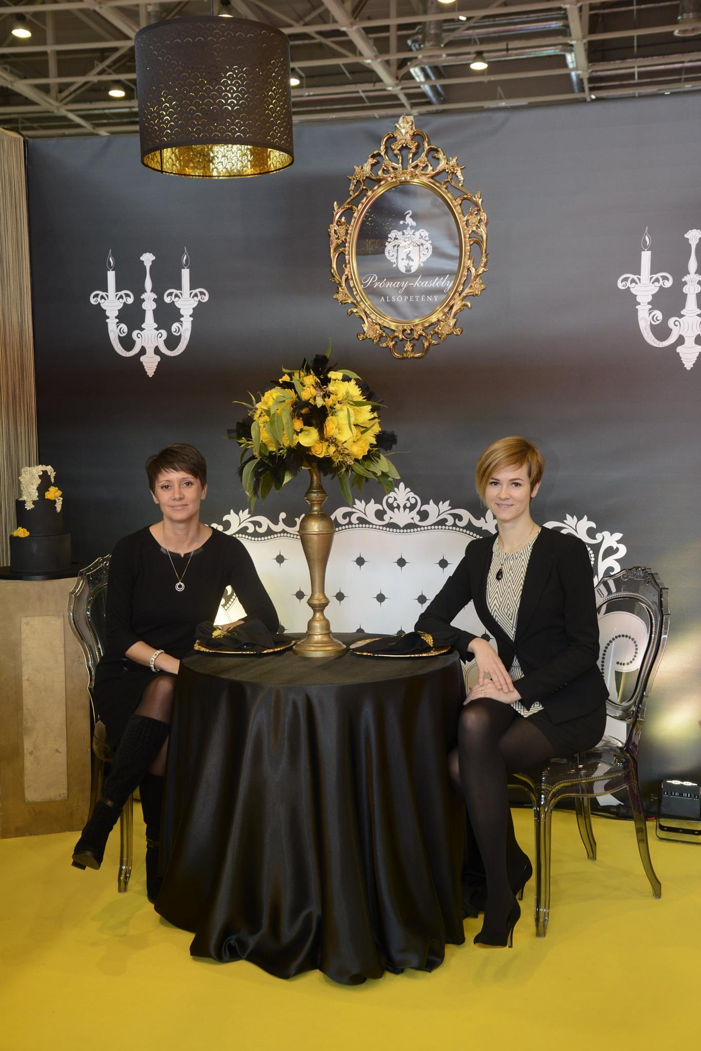 Tömösvári Szilvia katélyszálló-igazgató és Szomolya Szabina rendezvényszervező