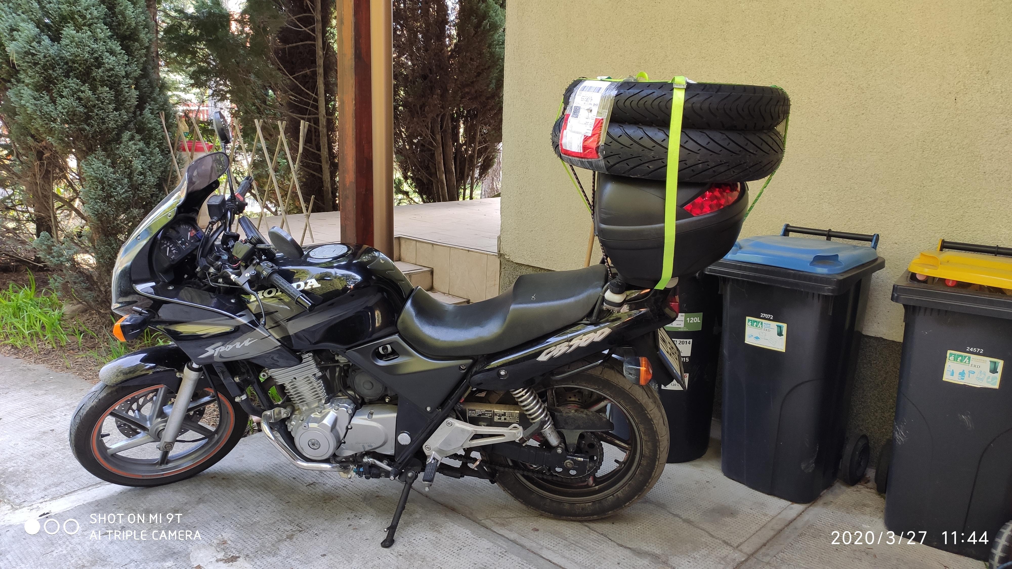 Honda is előkerült, de nem indult, lemerült az akksi. Utánfutóval elvitték a szervizbe.