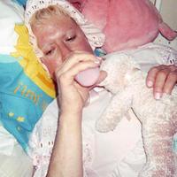 INFANTILIZMUS - William Windsor (Heidi Lynn)