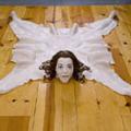 Chrissy, a bőr szőnyeg