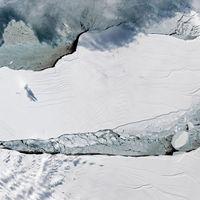 Mozgásba jött az Antarktiszról leszakadt hatalmas jéghegy