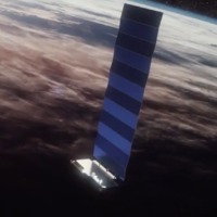 Csökkenti műholdjainak fényességét a SpaceX vállalat