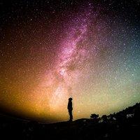 Kisebb szomszédaikat felfalva híznak meg a galaxisok