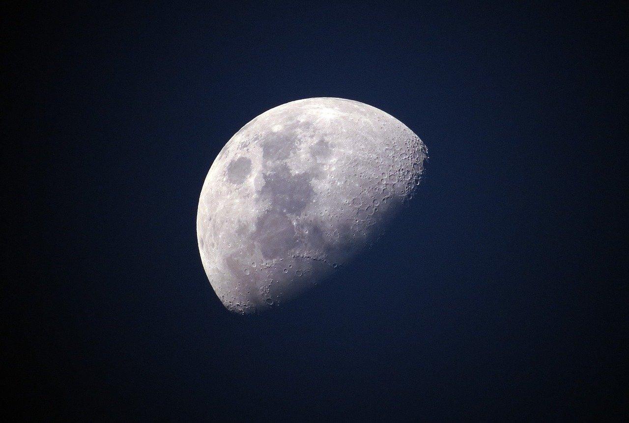 moon-1527501_1280_1.jpg