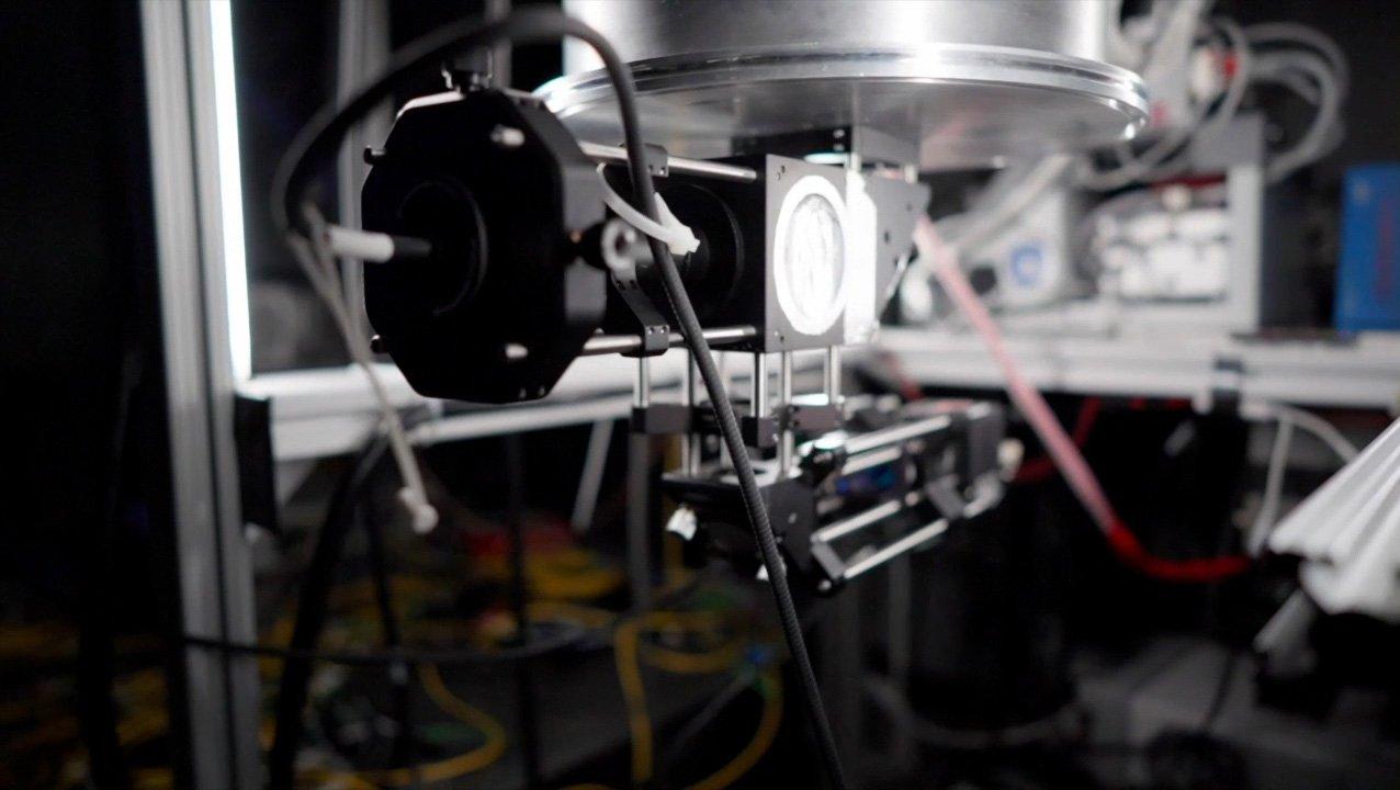 mspiropulu-focusinglasersystem-quantumsenso_max-1400x800.jpg