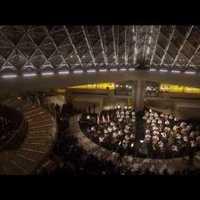 Louvre: Sztravinszkij az üvegpiramisban