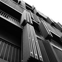 Rue des Suisses - lakóház (H&dM)